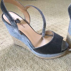 Blue velvet espadrille sandals